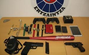 Detenido el cabecilla de una banda que asaltó cuatro lonjas juveniles en Bizkaia
