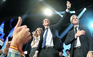 «Si Sánchez puede, pactará la independencia con Torra», avisa Casado
