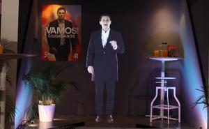 Albert Rivera, a lo 'Star Wars', aparece en dos sitios a la vez