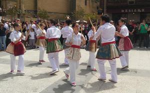 Laguardia acoge hoy el Dantzari Eguna y Elciego celebra el Mercado de la Flor y la Huerta