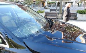 Herido un joven tras ser atropellado por un coche en Deusto