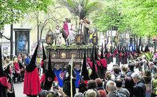 Bilbao arropa con pasión al 'Borriquito'