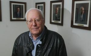 Arturo Echave, presidente de la Cámara de Comercio y pionero del esquí y el alpinismo en Álava