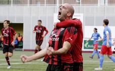 «Me he vuelto a sentir futbolista», muestra aliviado Etxaniz