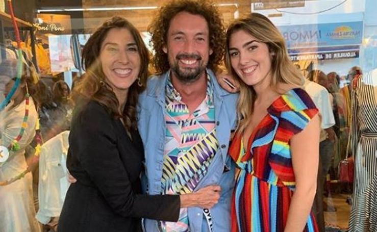 Paz Padilla y su hija triunfan en la apertura de su tienda de ropa
