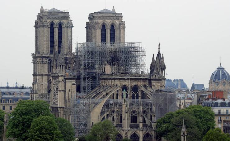 Así ha amanecido Notre Dame