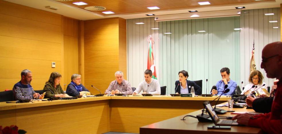 La alcaldesa de Amurrio asegura que «estamos elaborando todos los pliegos pendientes»