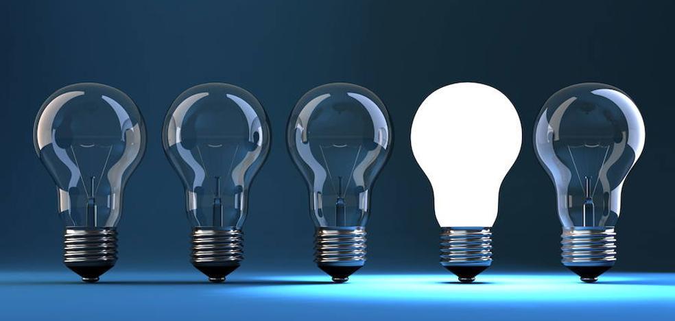Guía para ahorrar hasta 265 euros en la factura de la luz