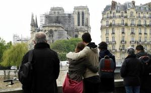 Las grandes fortunas inician las donaciones para devolver su esplendor a la catedral de París