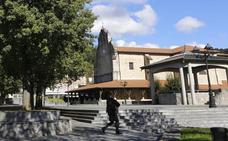 Dos detenidos por intentar robar 25 metros de canalón del pórtico de la iglesia de Bedia