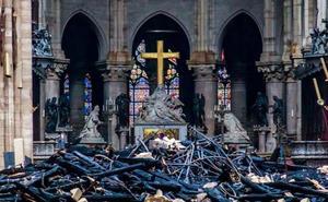 Macron promete reconstruir Notre Dame «en 5 años y hacerla más bella»