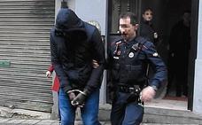 Las hijas de la mujer asesinada en Ollerías viajan a París para ser acogidas por su tío