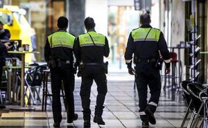 El «sí crítico» de EH Bildu salva la OPE de 39 plazas de la Policía Local de Vitoria