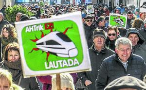 El PNV de Agurain se suma a un acto contra el TAV pese al apoyo de su partido a la obra