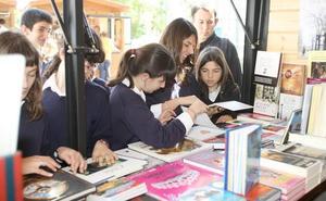La Feria del Libro de Getxo celebra mañana un desayuno literario con varios autores