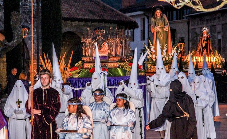 Las cofradías procesionaron en Amurrio