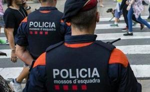 Detienen a un policía nacional por matar a su pareja en su casa de Olot