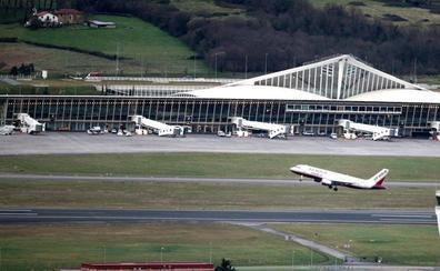 El aeropuerto de Loiu afronta hoy la operación retorno marcado por la huelga de 'fingers'