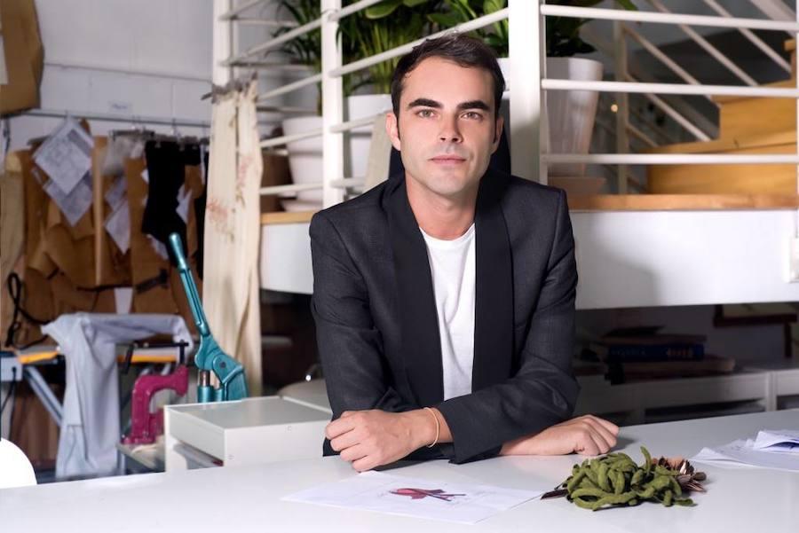 El diseñador vasco ha presentado su nueva colección nupcial