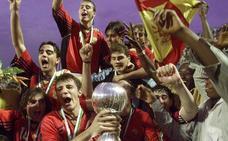 Sáez, Casillas, Xavi, Yeste... 20 años del primer título mundial del fútbol español