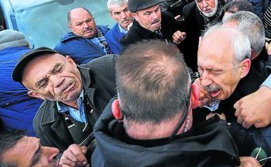 Protestas en Turquía por el ataque al líder de la oposición