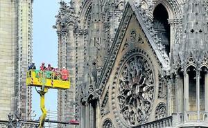 Un gran 'paraguas' protegerá la catedral de Notre Dame