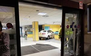Dejan en libertad con cargos al joven que empotró su coche en las Urgencias de Basurto