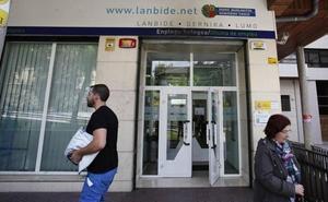 Euskadi deja de ser la comunidad con menos paro y el desempleo castiga a las mujeres
