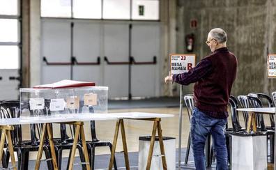 Las imágenes de la jornada electoral en Vitoria