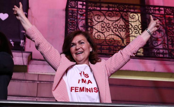 Carmen Calvo y su look feminista que ya se ha agotado