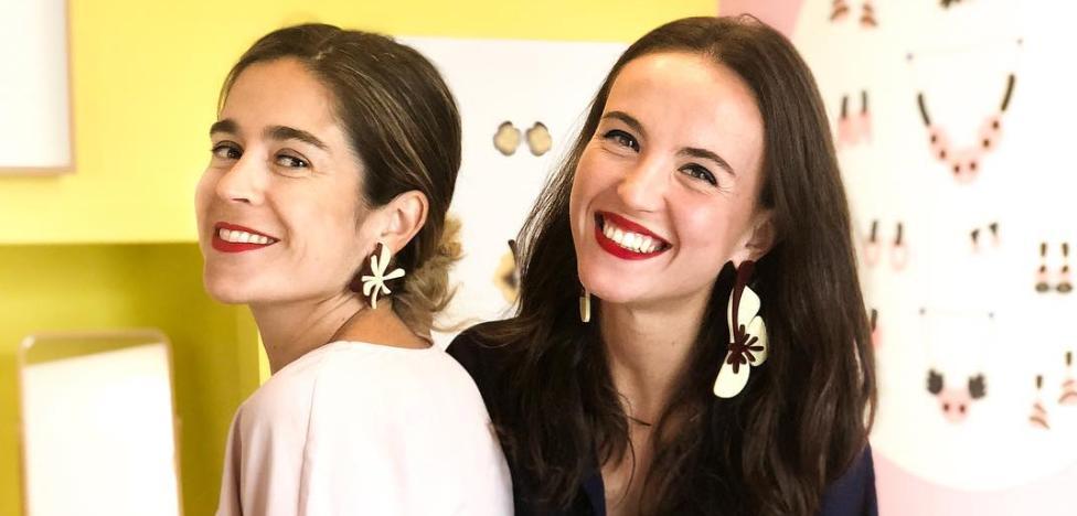 Una bilbaína, una madrileña y un catalán: suena a chiste pero sus pendientes te alegrarán la vida
