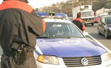Detenidos dos jóvenes por tráfico de drogas tras una persecución en coche a gran velocidad en Mungia