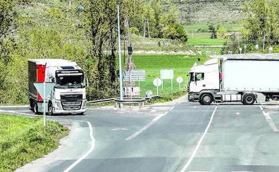 Una glorieta más grande para mejorar la seguridad en la carretera a Araia