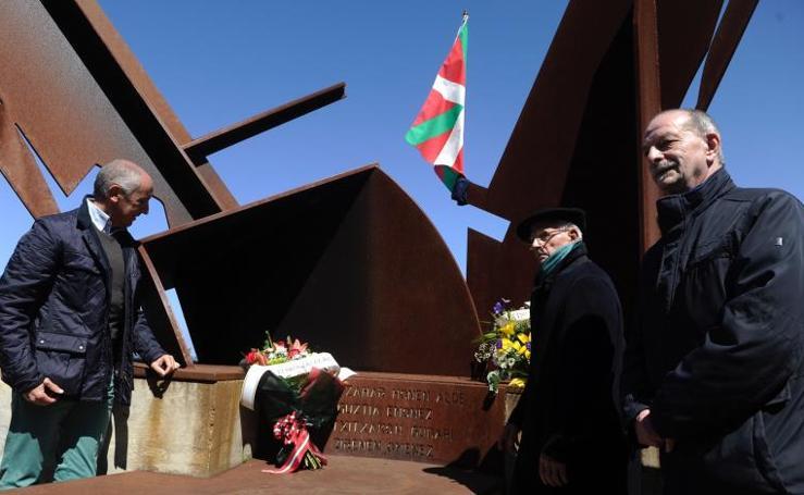 Homenaje a La Marina de Guerra Auxiliar de Euzkadi