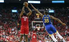 Harden brilla en la prórroga y da a Rockets su primer triunfo