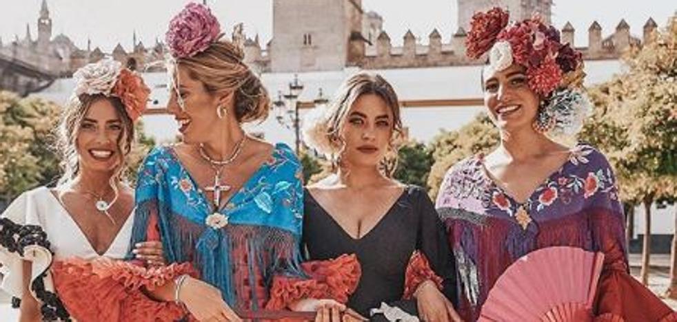 Así visten de flamenca las 'influencers' en la Feria de Abril