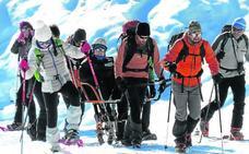 400 euros, tres guías y cinco horas para alcanzar la cima del Gorbea