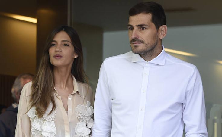 Sara Carbonero arropa a Iker en su salida del hospital