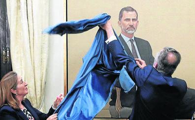 Felipe VI percibió 242.000 euros en 2018 y el Rey emérito, 194.000