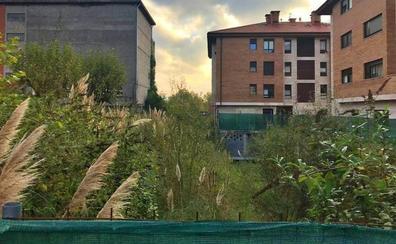 Una parcela del Obispado ampliará la gran plaza proyectada en Sondika