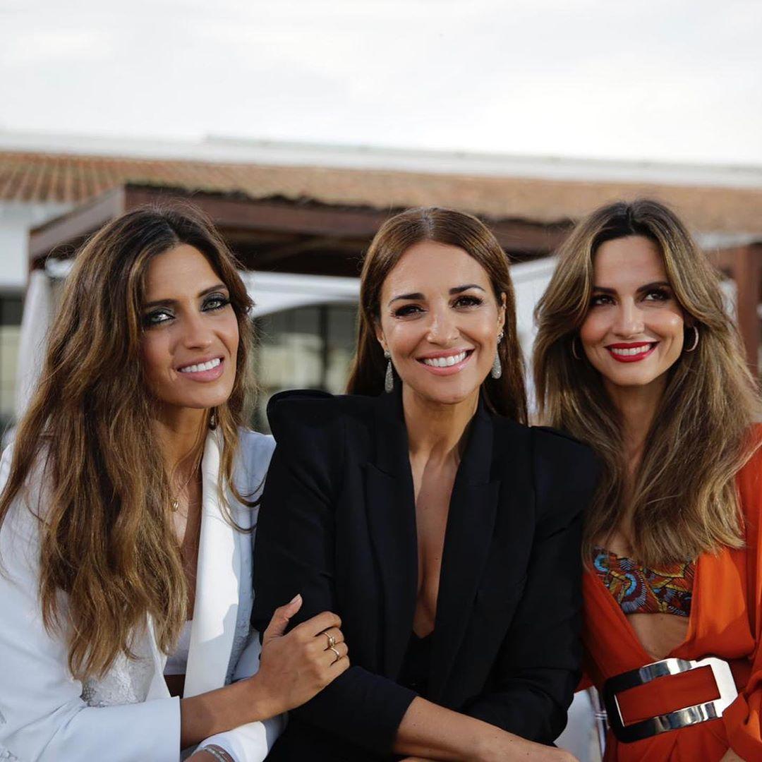 Sara Carbonero, Paula Echevarría y Ariadne Artiles o el arte de salir a la calle en bañador