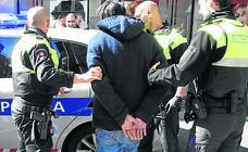 Destinan a policías antidroga de Bilbao a hacer diligencias por la falta de personal