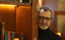 Eloy Tizón: «La literatura te educa la mirada»