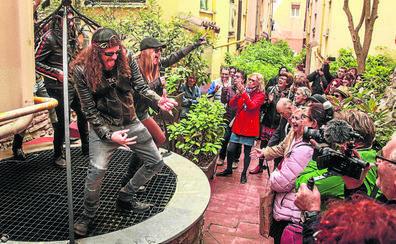 Los caños de Vitoria desbordan poesía y rock