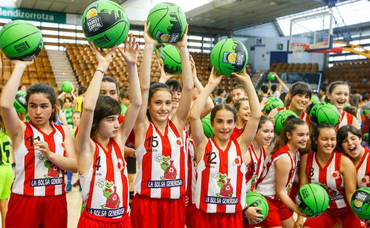 500 escolares participan en Mendizorroza en una iniciativa de la Basket Capital