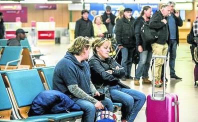 Los nuevos vuelos y las vacaciones empujan a Foronda, que roza los 50.000 viajeros
