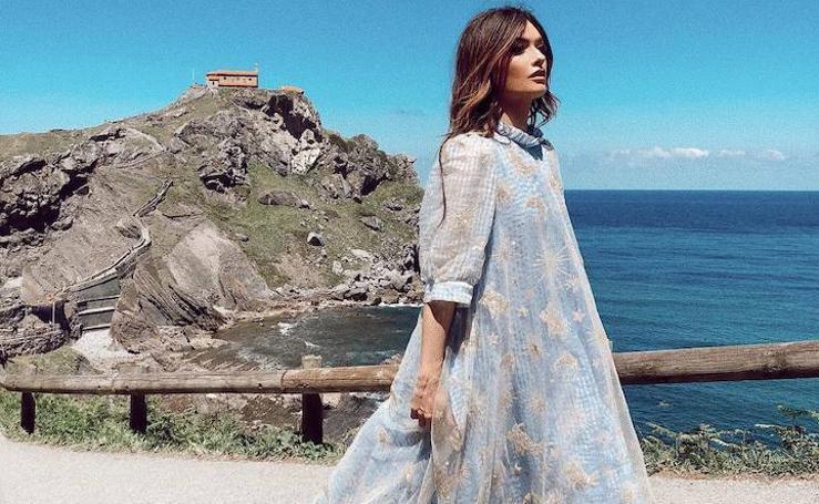 Madame de Rosa y su exclusivo vestido para visitar Gaztelugatxe