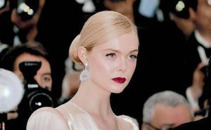 4 looks en 24 horas: la transformación exprés de Elle Fanning en Cannes