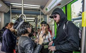 Los ladrones de versos viajan en tranvía