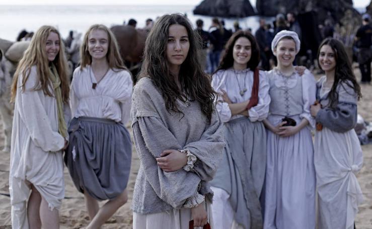 Arranca el rodaje de 'Akelarre' en la playa de Laga